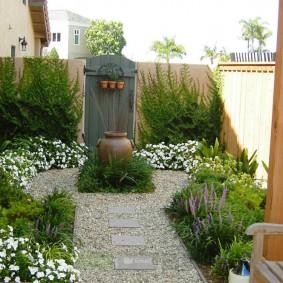 Оформление входной зоны садового участка