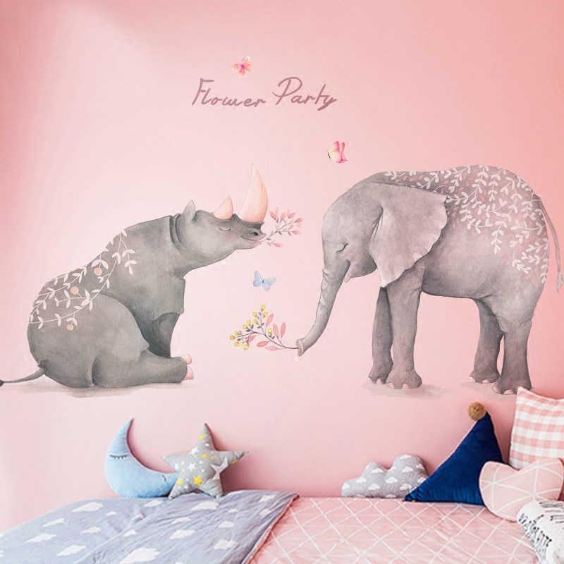 Постер во всю стену в спальне девочки
