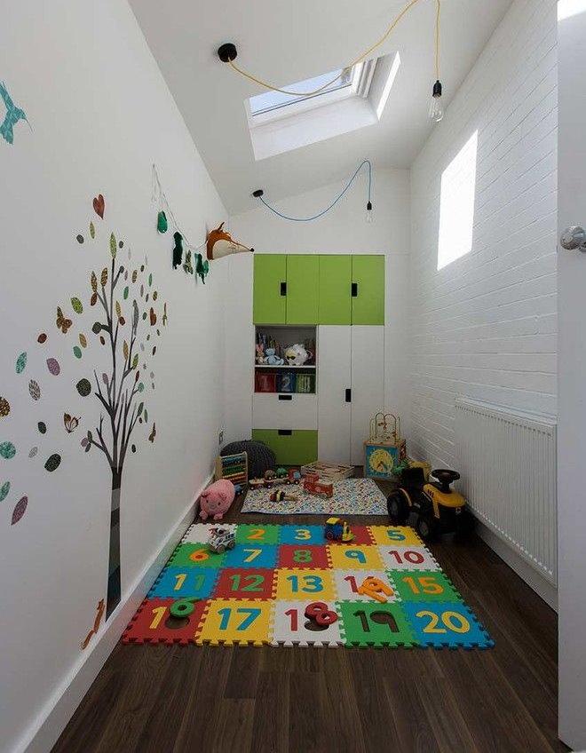 Цифровой рисунок на мягком коврике в детской комнате