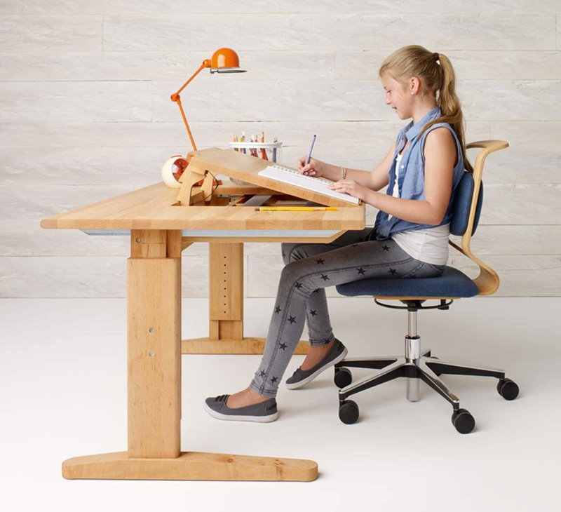 Стул на колесиках для ребенка школьного возраста