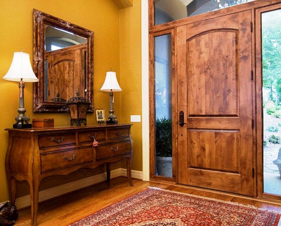 входная деревянная дверь фото