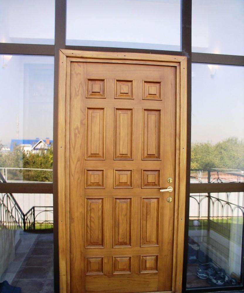 деревянная входная дверь из дуба