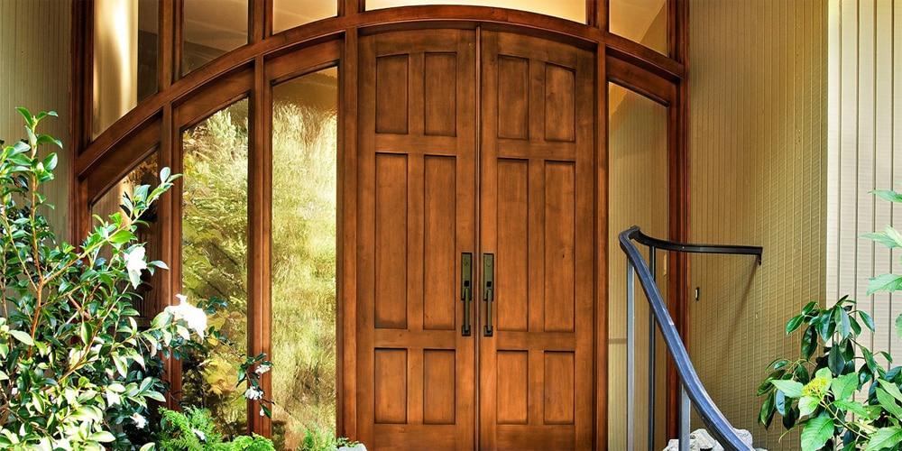 деревянная входная дверь из ясеня
