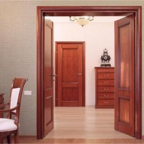 деревянная входная дверь оформление идеи