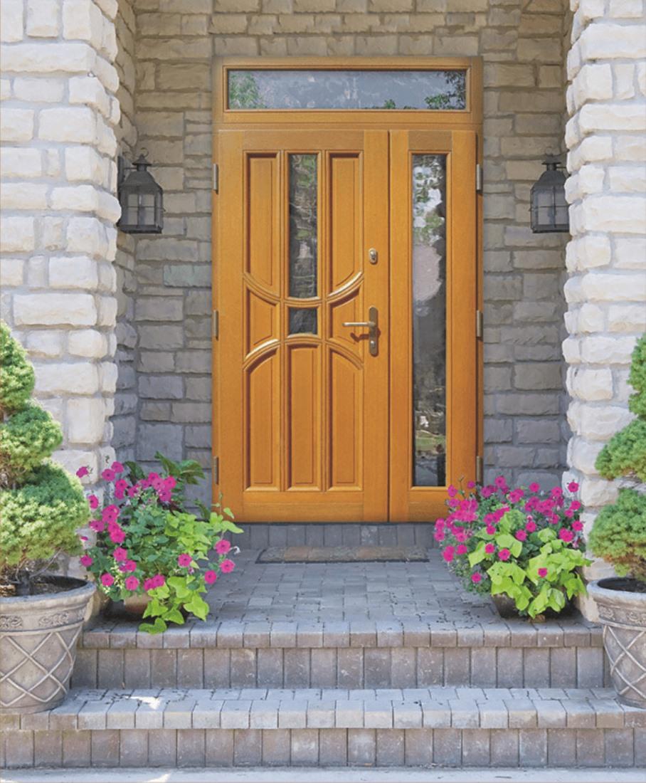 деревянная входная дверь полуторная