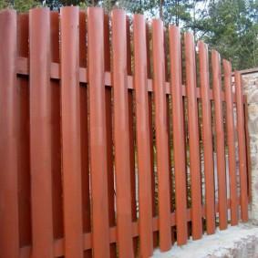 деревянный забор для участка обзор идеи