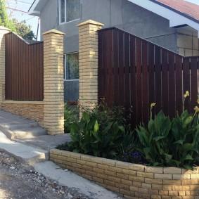 деревянный забор для участка декор фото
