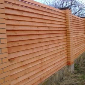 деревянный забор для участка оформление
