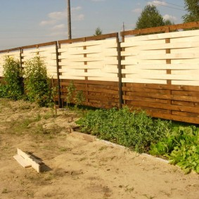 деревянный забор для участка фото оформления