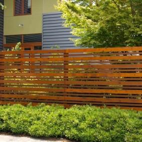 деревянный забор для участка варианты дизайна