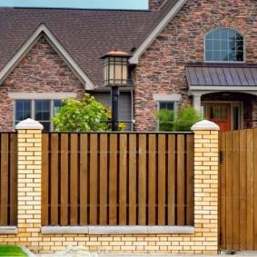 деревянный забор для участка обзор фото