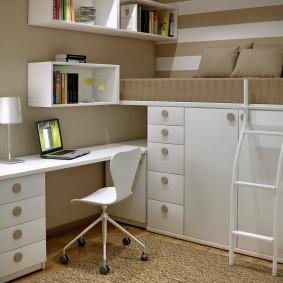 Кровать-чердак с системой хранения вещей