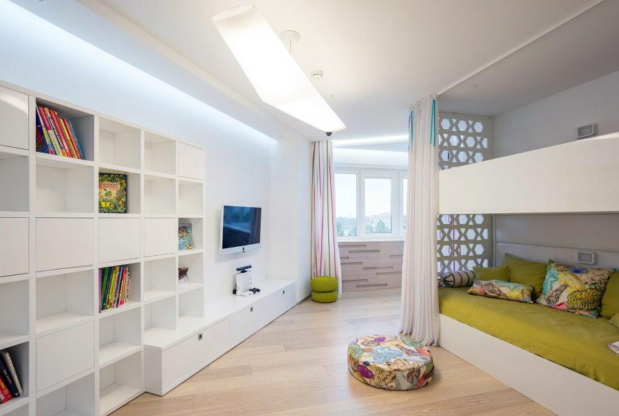 Белая комната в стиле хай-тек для двоих детей