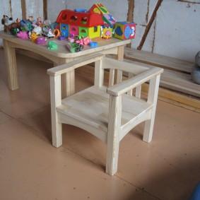 детский деревянный стульчик фото дизайна