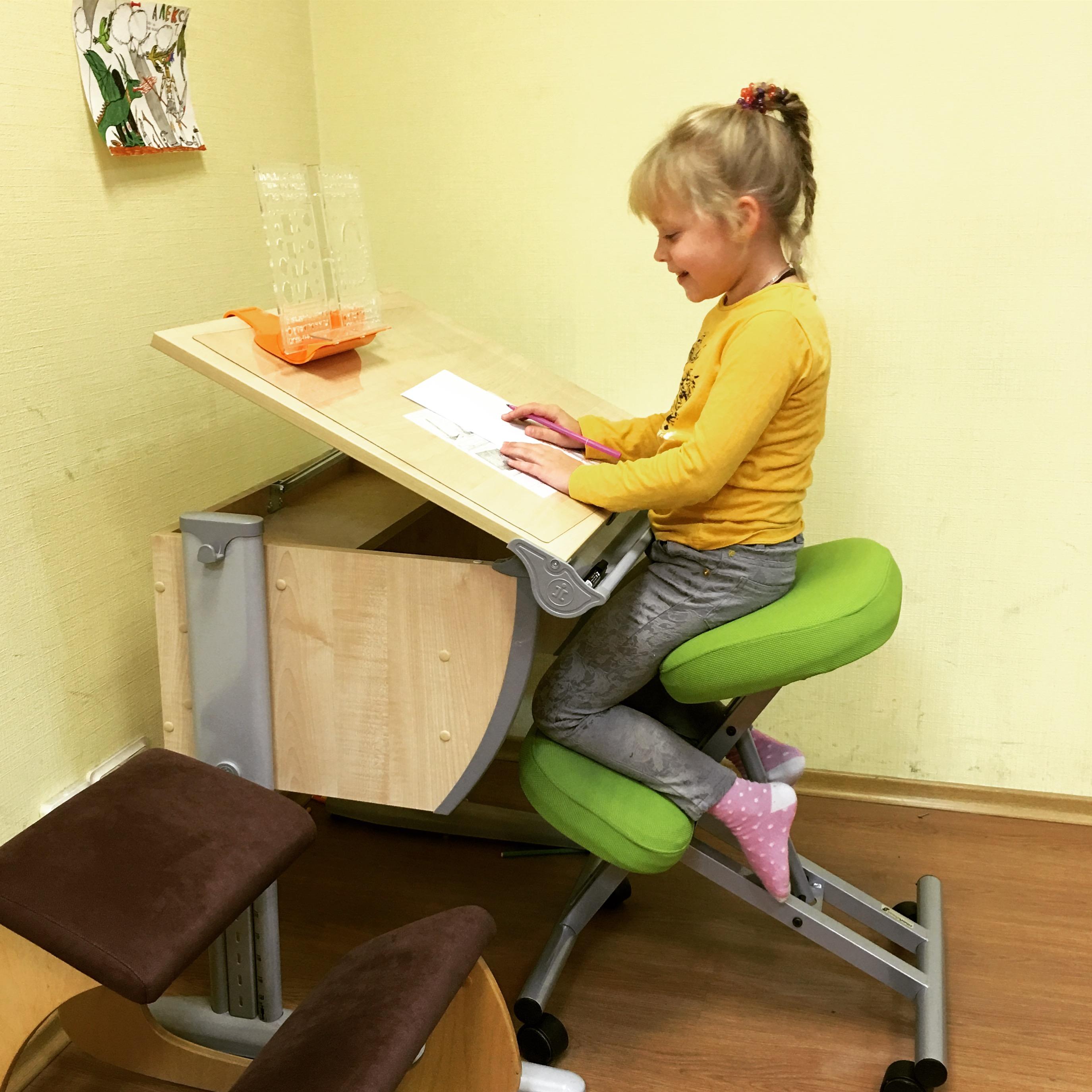 детский коленный стул фото