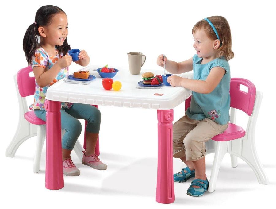 Игровая детская мебель с розово-белой расцветкой