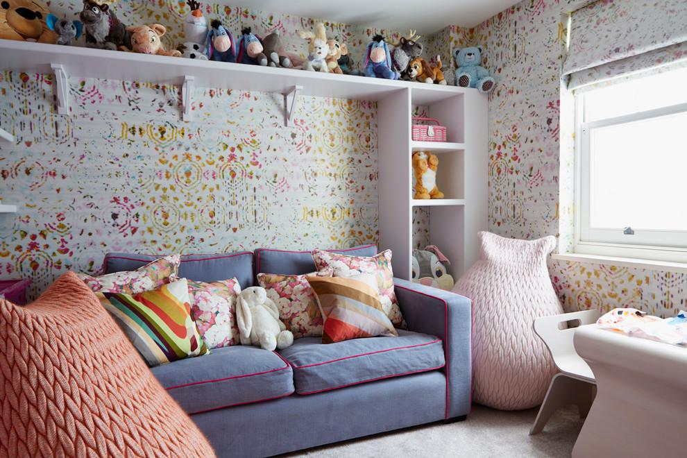 Кресло-кровать в комнате девочки