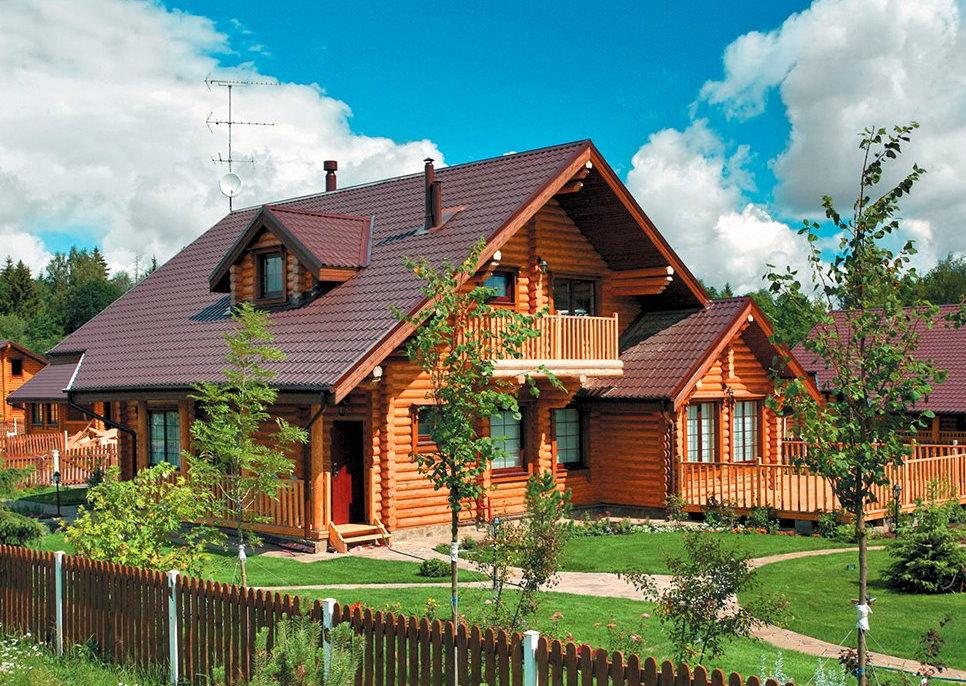 Размещение бревенчатого дома на дачном участке