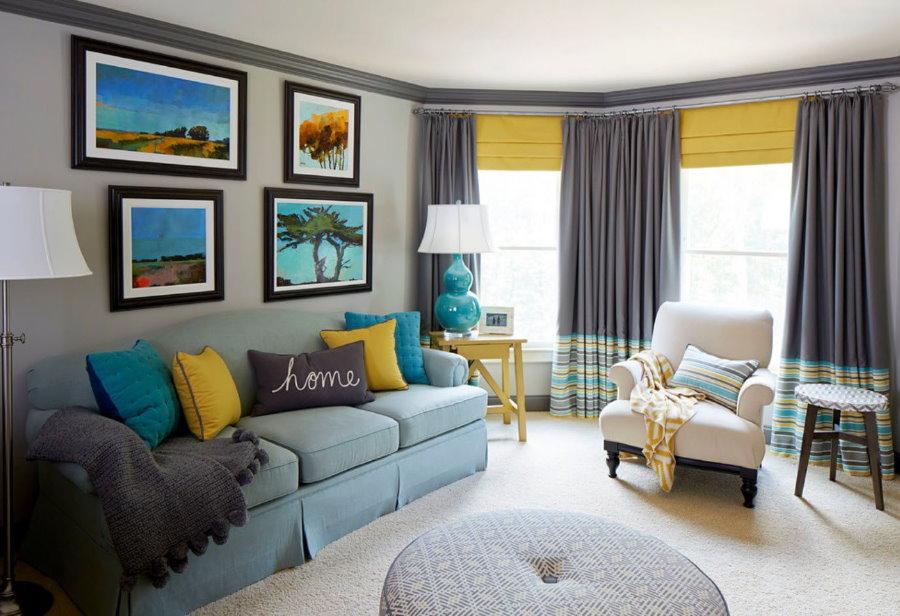 Подбор штор в гостиную со смежными окнами