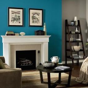 Модульные картины на синей стене