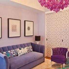 Раскладной диван с высокими подлокотниками