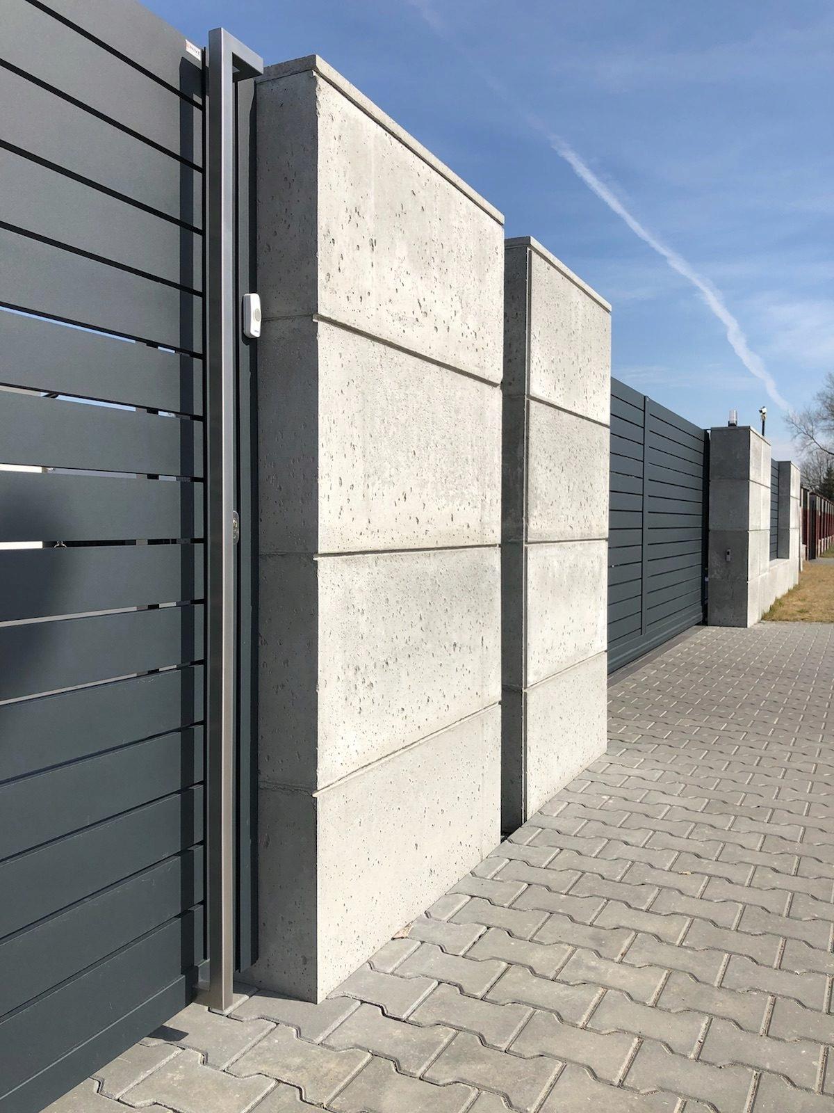 Забор из фасадных панелей фото