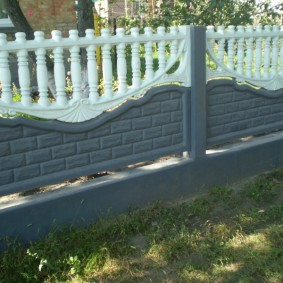Железобетонный забор невысокой высоты