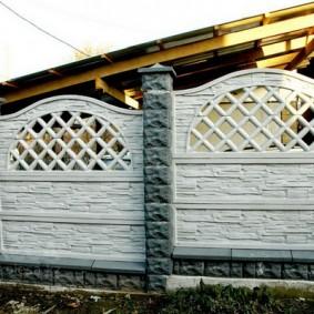 Деревянный навес с крышей из профнастила