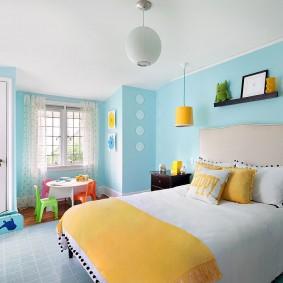 Желто-бирюзовый интерьер детской комнаты
