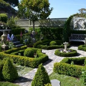 Аккуратный сад в регулярном стиле