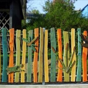 деревянный заборчик оригинального дизайна