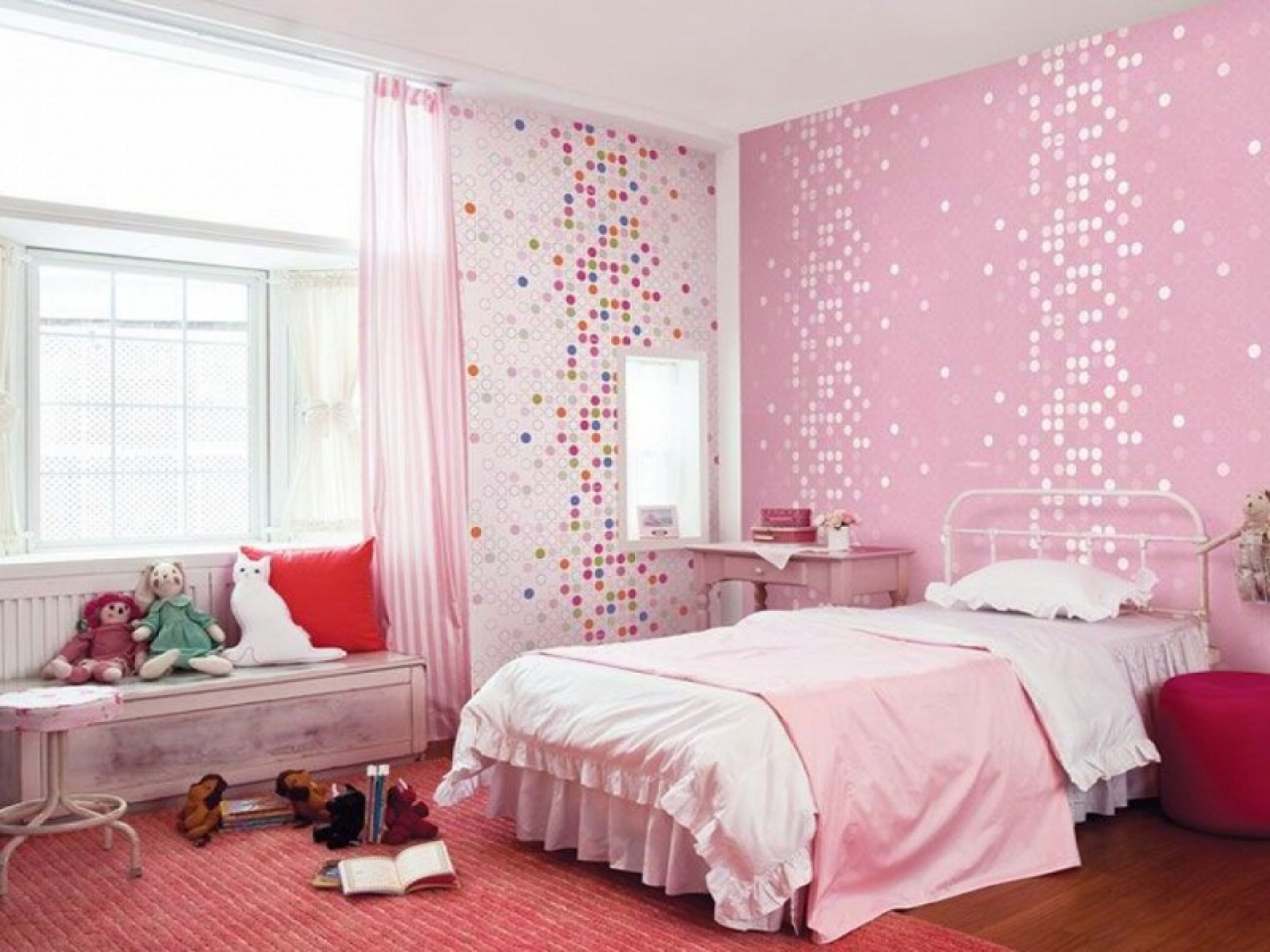розовые обои в спальне фото странам свойственны скалистые
