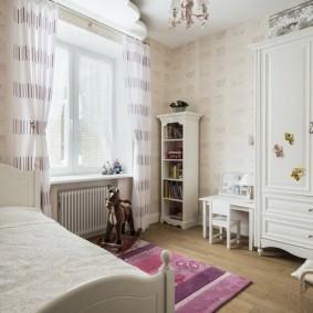 Шкаф-пенал белого цвета