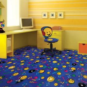 Желтые смайлики на синем ковролине