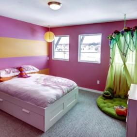 Полосатая окраска стен латексной краской