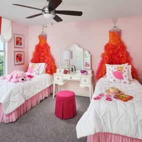 детские кровати в спальне девочек