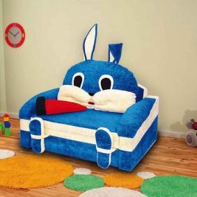 Синее детское кресло модель Зайка