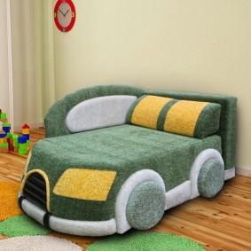 Кресло-диванчик в форме автомобиля