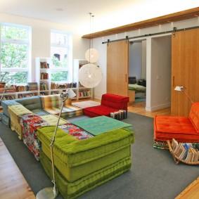 Мягкая мебель в детской комнате