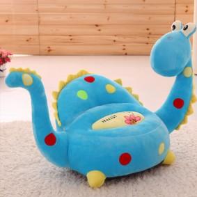 Мягкое кресло Динозаврик для малыша в возрасте 2–4 лет
