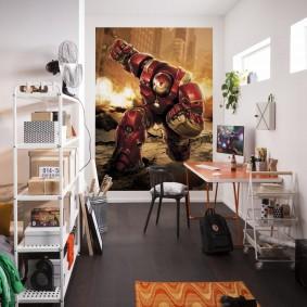 Постер-плакат в комнате с белыми стенами