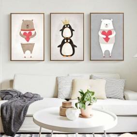Триптих из постеров над диваном в гостиной