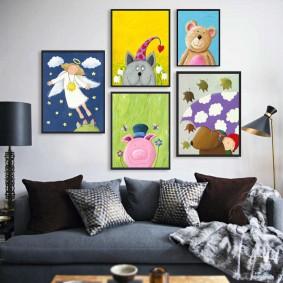 Детские рисунки в черных рамках