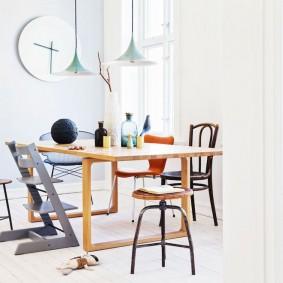 Детские стулья различной конструкции