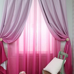 Розовый тюль с переходом цвета