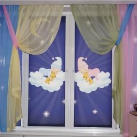 Рулонные шторы с фотопечатью в детской спальне