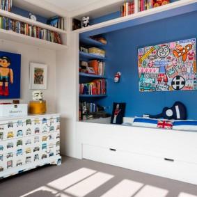 Встроенная мебель в спальне мальчика