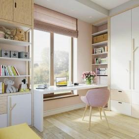 Письменный стол белого цвета