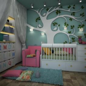 Декоративное дерево на стене в детской зоне комнаты