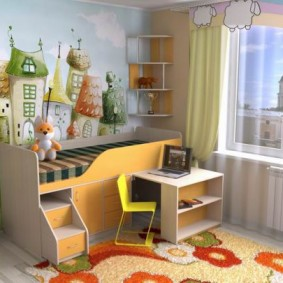 Высокая кровать для маленького ребенка